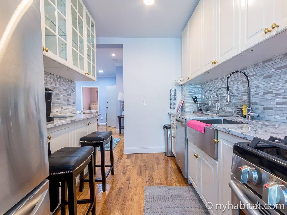 New York Accommodation 3 Bedroom Apartment Rental In Flatbush Brooklyn NY