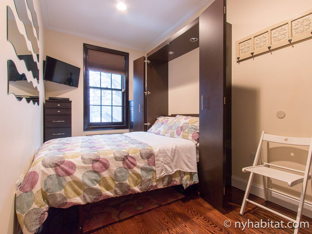 new york 2 bedroom accommodation bedroom 2 ny 17155 photo 2 of 4