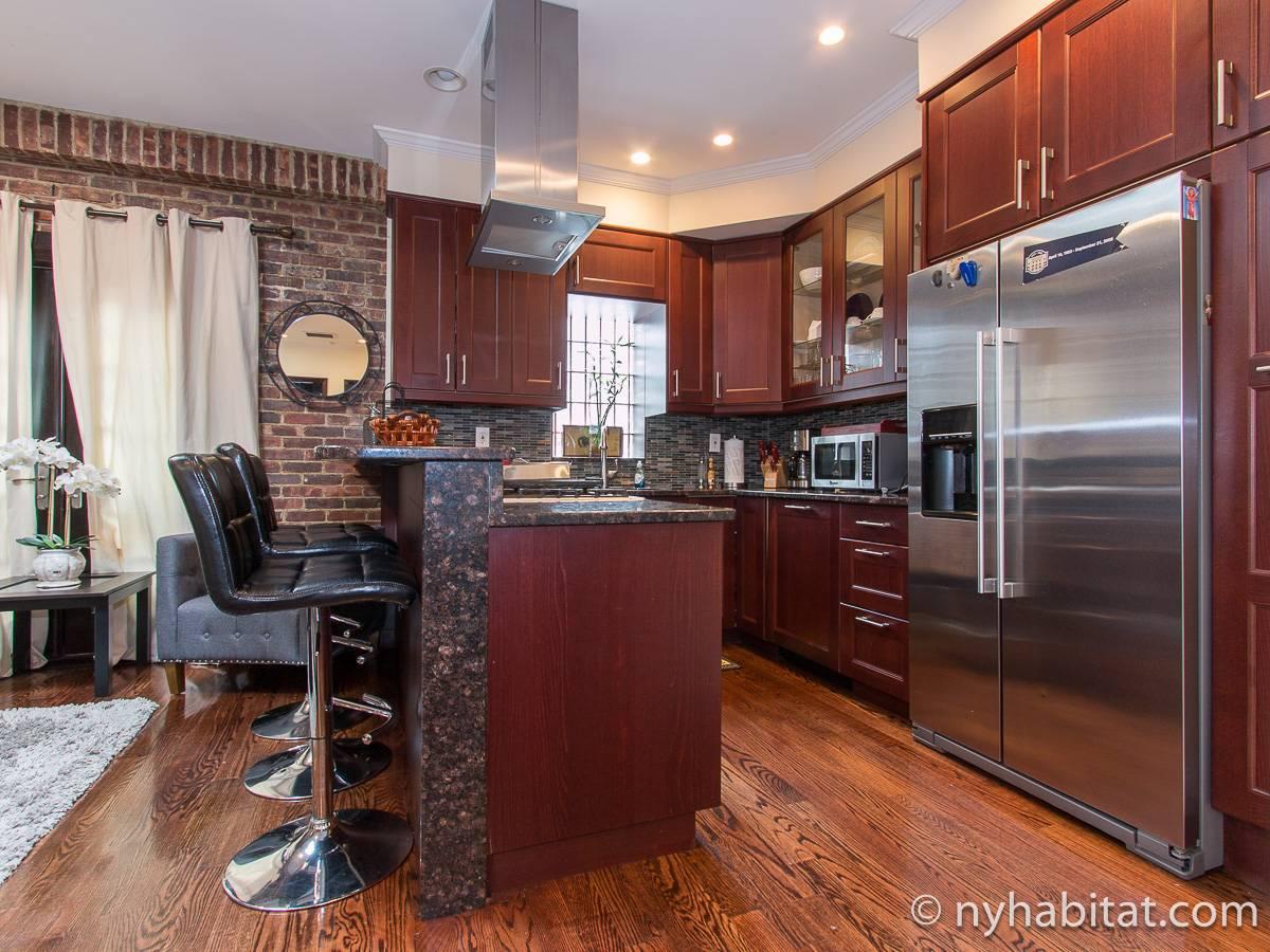 ferienwohnung in new york 3 zimmer long island city. Black Bedroom Furniture Sets. Home Design Ideas