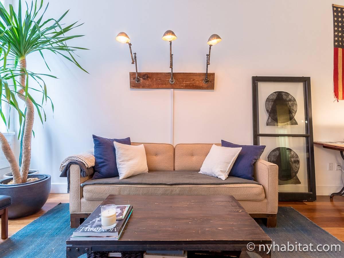 ... New York 1 Bedroom Apartment   Living Room (NY 17156) Photo 4 Of ...