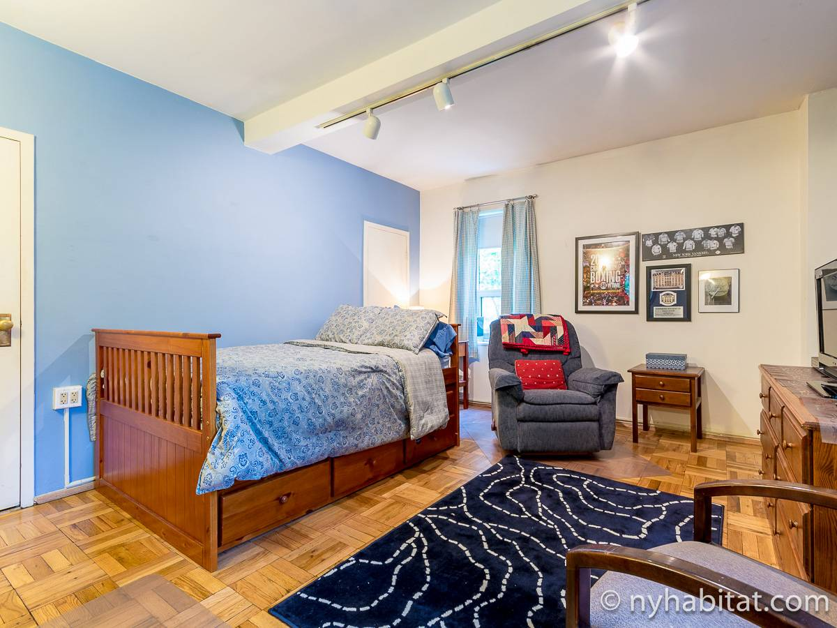 New York Roommate Room for rent in Peter Cooper Village Gramercy Union Sq