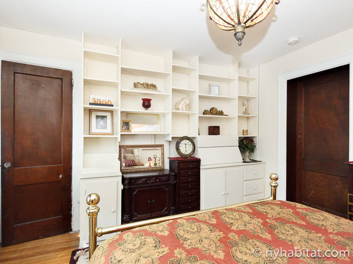 New York 4 Bedroom - Duplex roommate share apartment - bedroom 1 (NY-17210) photo 2 of 4