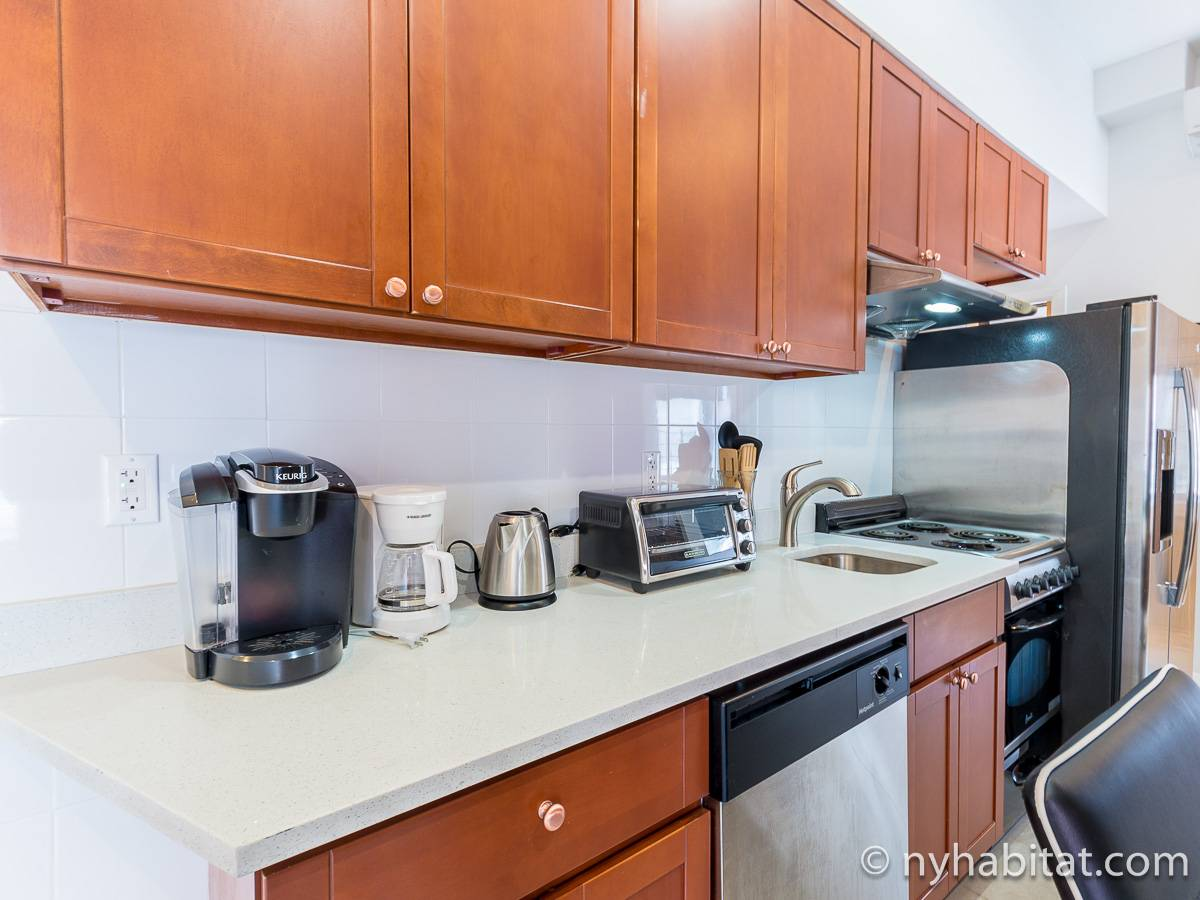 New York 4 Bedroom accommodation - kitchen (NY-17220) photo 2 of 4