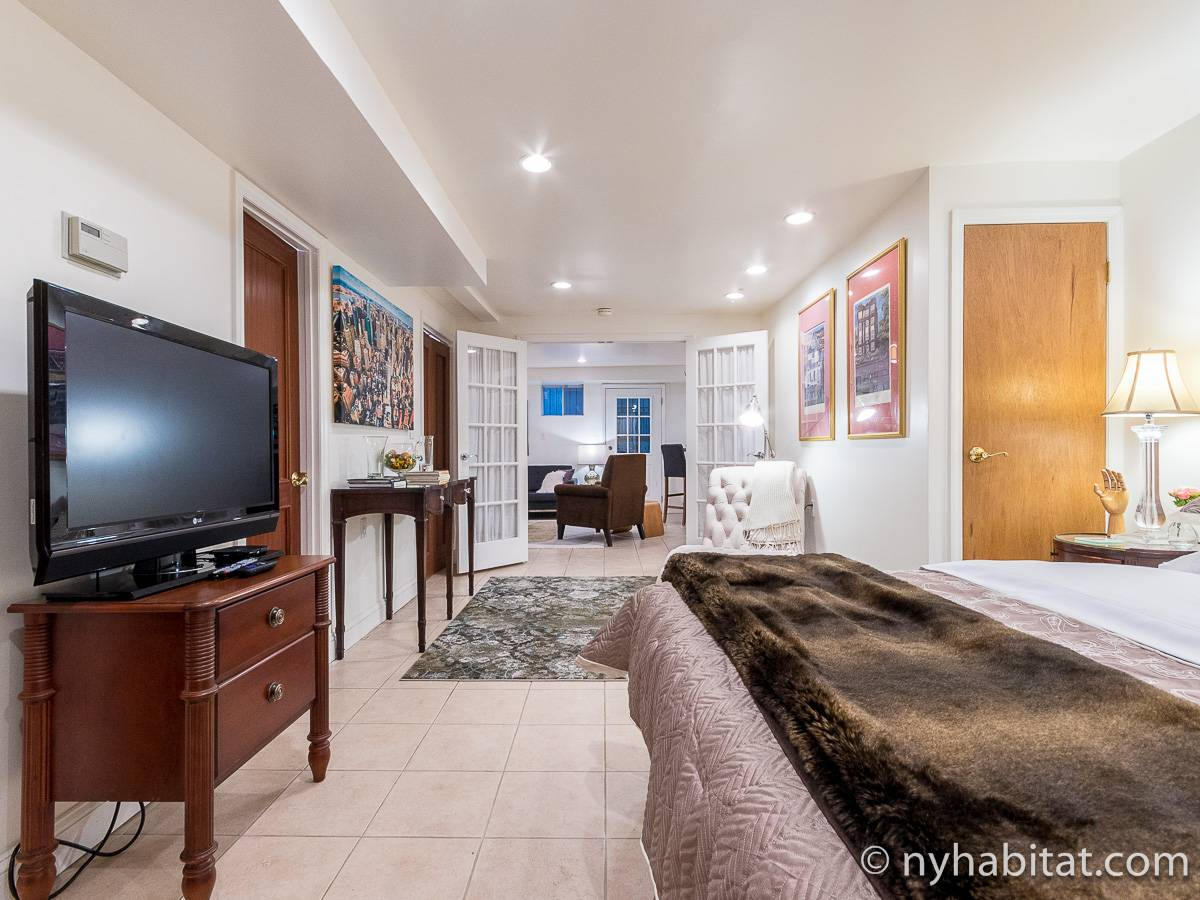 New York 1 Bedroom - Duplex accommodation - living room 3 (NY-17228) photo 4 of 6
