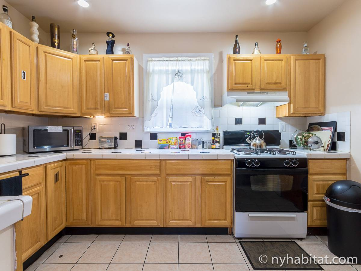 New York 4 Bedroom accommodation - kitchen (NY-17236) photo 2 of 4