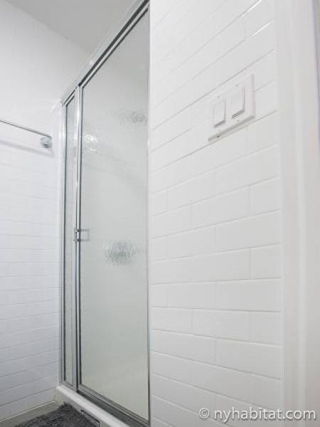 New York T5 appartement colocation - salle de bain 1 (NY-17289) photo 2 sur 2