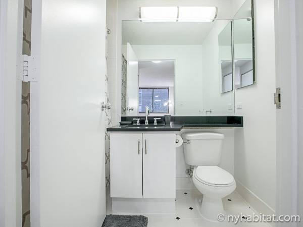 New York Studio apartment - bathroom 1 (NY-17319) photo 1 of 2