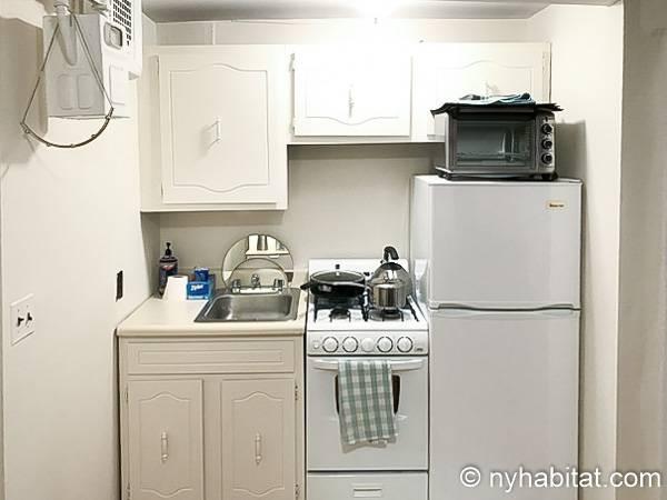 Logement new york location meubl e studio t1 east for Location meuble new york