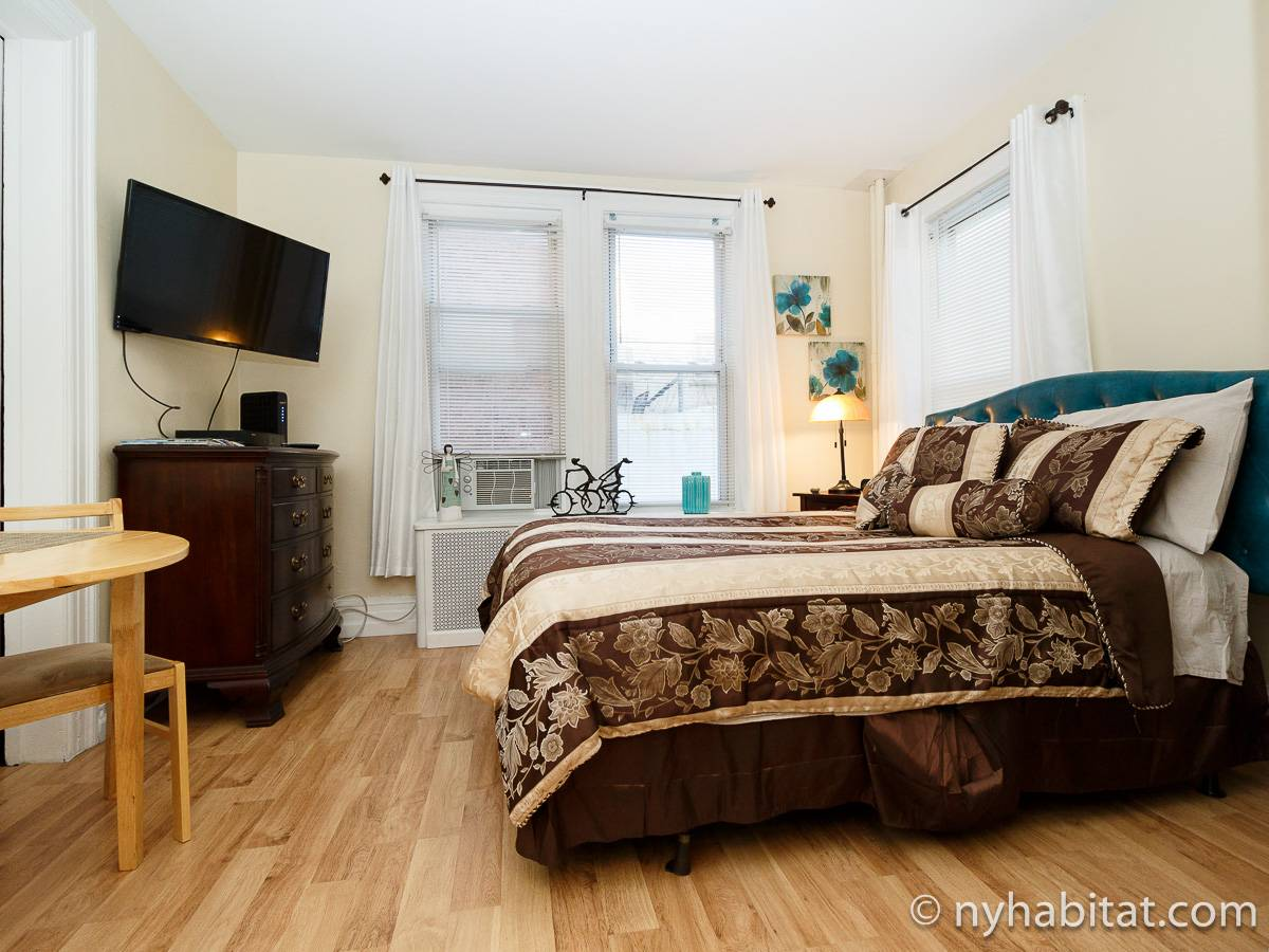 New York 7 Bedroom roommate share apartment - bedroom (NY-17323) photo 2 of 6