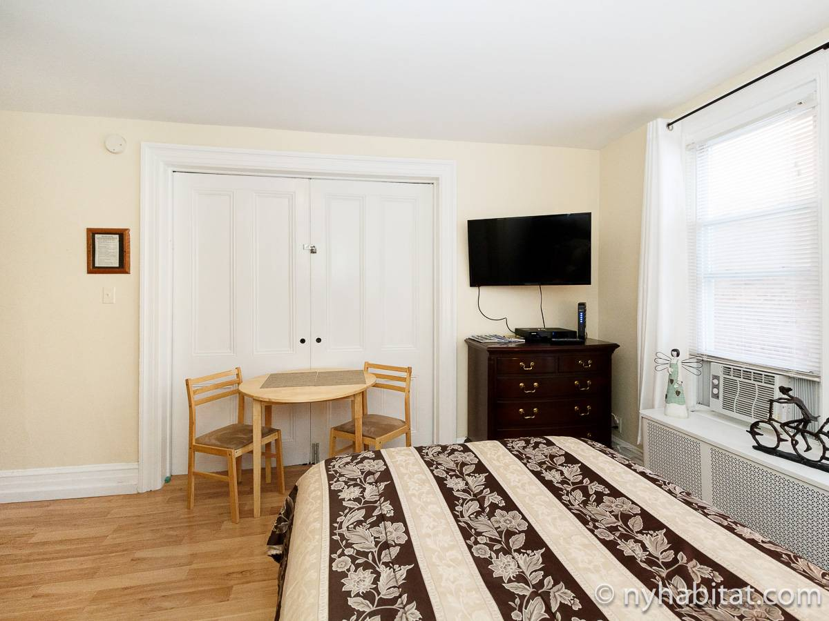 New York 7 Bedroom roommate share apartment - bedroom (NY-17323) photo 4 of 6