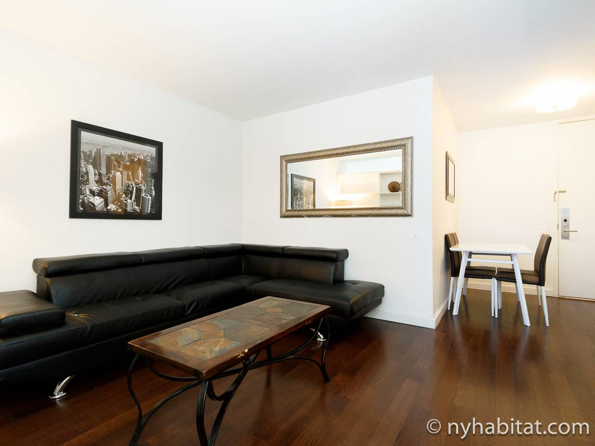 New York 2 Bedroom apartment - living room (NY-17382) photo 2 of 4