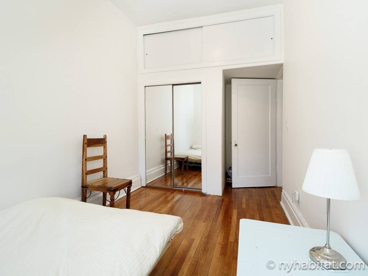 New York Roommate Room For Rent In East Village 3 Bedroom Apartment Ny 17460