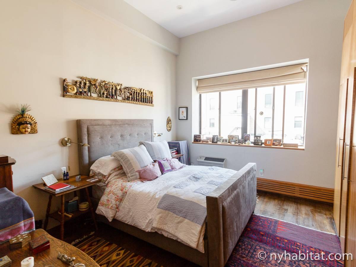 chambre loft new yorkais fashion designs. Black Bedroom Furniture Sets. Home Design Ideas