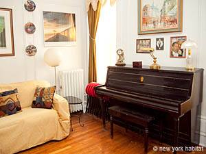New York 3 Bedroom roommate share apartment - living room (NY-5602) photo 2 of 10
