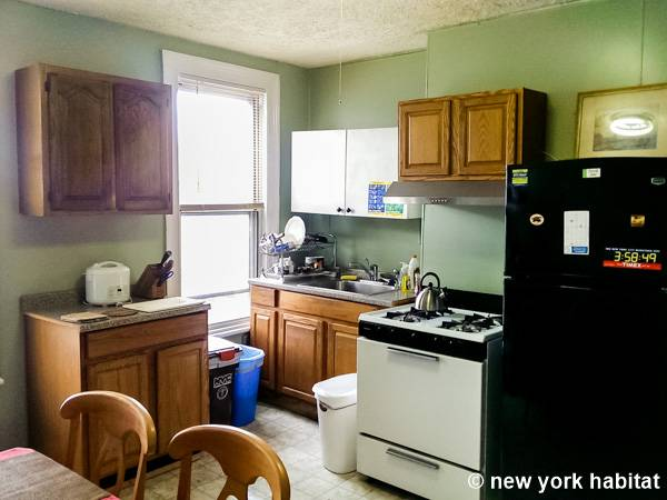New York 6 Bedroom   Triplex roommate share apartment   kitchen  NY 7570. New York Roommate  Room for rent in Sunset Park  Brooklyn   6