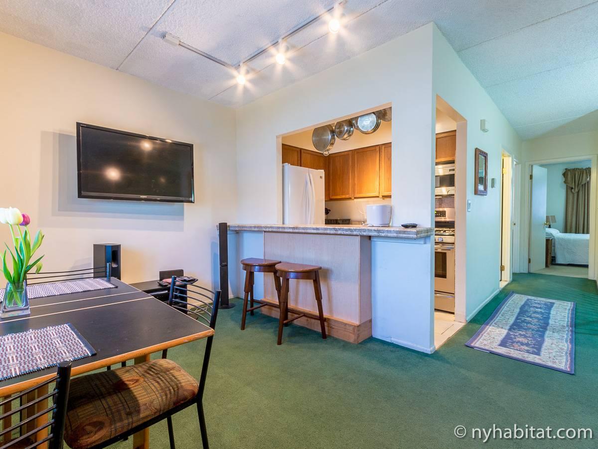 wohnungsvermietung in new york 3 zimmer astoria queens ny 7750. Black Bedroom Furniture Sets. Home Design Ideas