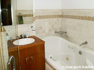 New York 1 Bedroom - Loft apartment - bathroom (NY-8032) photo 1 of 2