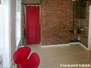 New York 1 Bedroom apartment - living room (NY-8065) photo 5 of 6