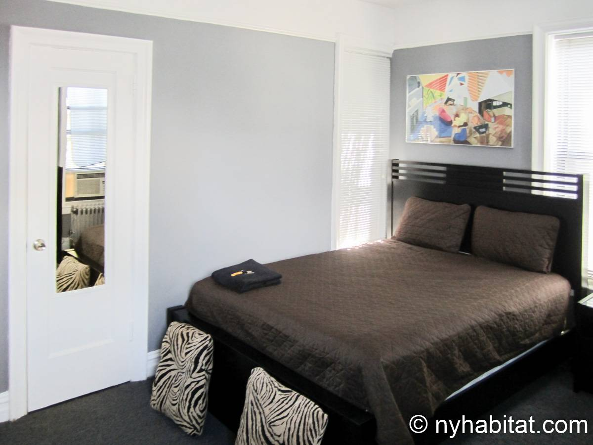 New York 3 Bedroom roommate share apartment - bedroom 2 (NY-8264) photo 2 of 5