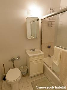 New York Studio T1 logement location appartement - salle de bain (NY-8404) photo 3 sur 4