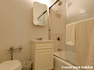 New York Studio T1 logement location appartement - salle de bain (NY-8404) photo 4 sur 4