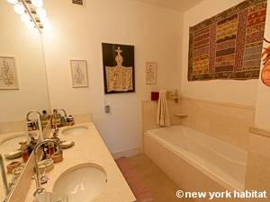 New York T2 - Loft logement location appartement - salle de bain 2 (NY-9067) photo 1 sur 4