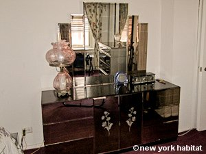 New York 1 Bedroom roommate share apartment - bedroom (NY-9074) photo 4 of 6
