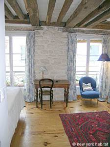 Paris Studio accommodation - living room (PA-765) photo 3 of 6