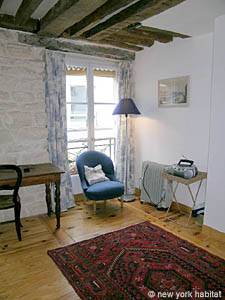 Paris Studio accommodation - living room (PA-765) photo 4 of 6