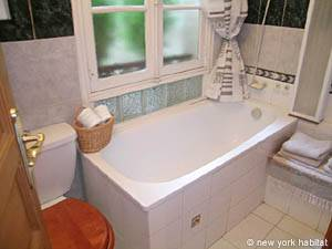 Paris 1 Bedroom accommodation - bathroom (PA-910) photo 1 of 4
