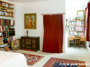 Paris 3 Bedroom - Duplex accommodation - bedroom 2 (PA-927) photo 3 of 6