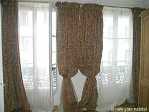 Paris 2 Bedroom accommodation - bedroom 1 (PA-983) photo 5 of 7