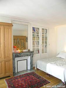 Paris 2 Bedroom accommodation - bedroom 1 (PA-983) photo 2 of 7