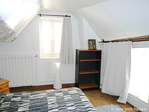 Paris 2 Bedroom - Duplex accommodation - bedroom 1 (PA-1274) photo 3 of 4
