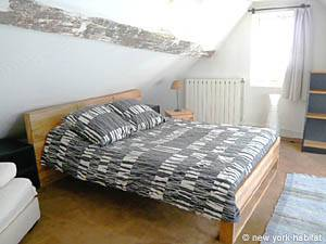 Paris 2 Bedroom - Duplex accommodation - bedroom 1 (PA-1274) photo 2 of 4