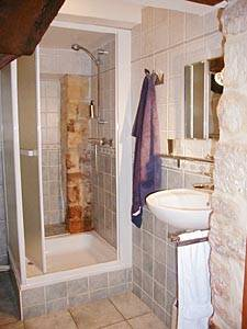 Paris 1 Bedroom apartment - bathroom (PA-1350) photo 1 of 4