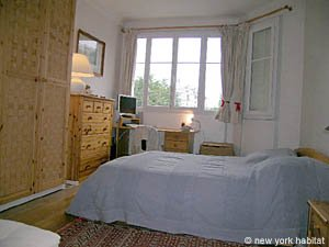 Paris T2 appartement location vacances - chambre (PA-1584) photo 1 sur 6