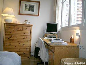 Paris T2 appartement location vacances - chambre (PA-1584) photo 5 sur 6