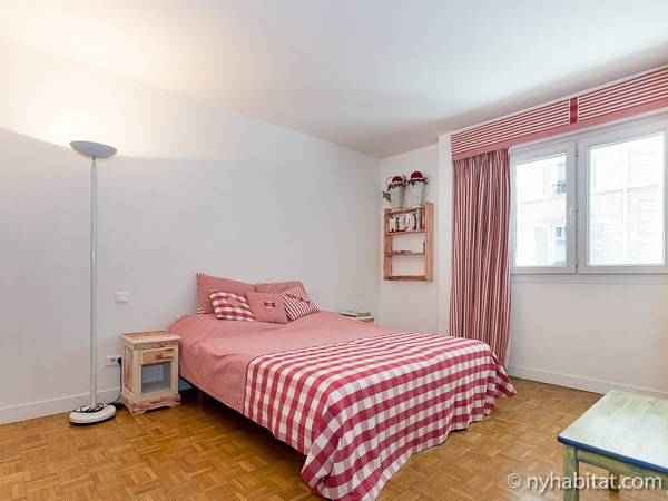 Paris T3 logement location appartement - chambre 2 (PA-1770) photo 1 sur 4