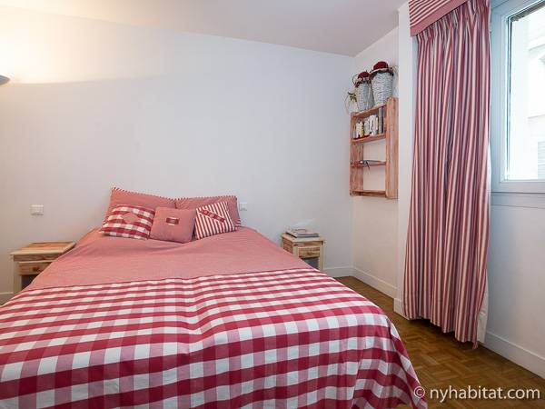 Paris T3 logement location appartement - chambre 2 (PA-1770) photo 2 sur 4