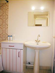 Paris Alcove Studio accommodation - bathroom 1 (PA-1862) photo 1 of 3