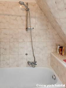 Paris Studio apartment - bathroom (PA-1891) photo 2 of 3