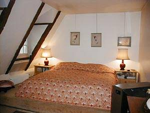Paris T2 appartement location vacances - chambre (PA-1899) photo 3 sur 6