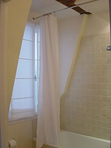 Paris Studio T1 appartement location vacances - salle de bain (PA-1924) photo 2 sur 4