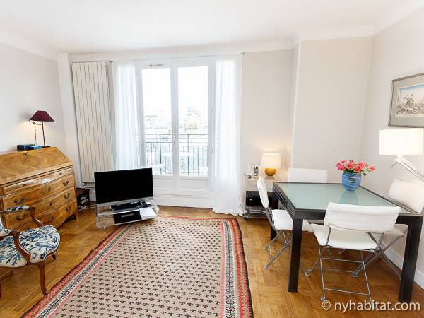 Paris Studio accommodation - living room (PA-2135) photo 2 of 10