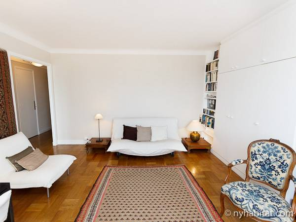 Paris Studio accommodation - living room (PA-2135) photo 4 of 10