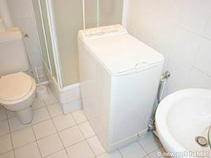 Paris 1 Bedroom apartment - bathroom (PA-2170) photo 2 of 4