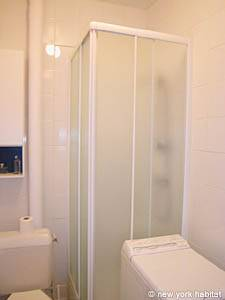 Paris 1 Bedroom apartment - bathroom (PA-2170) photo 1 of 4