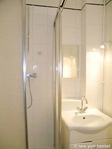 Paris Studio T1 appartement location vacances - salle de bain (PA-2246) photo 2 sur 4