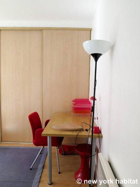 Paris T4 logement location appartement - chambre 3 (PA-2512) photo 2 sur 2